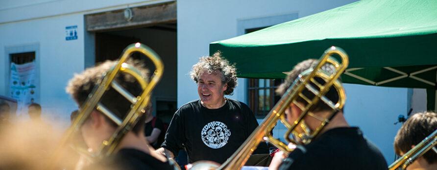 Discema colabora con Farmamundi en 'A todo Jazz por Mozambique',  que reunió a más de 300 personas en Valencia