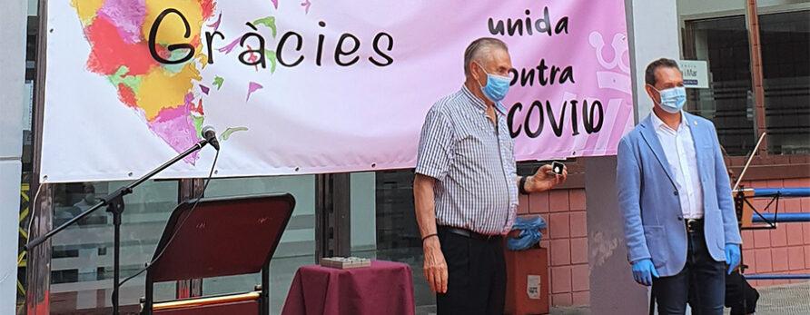 Discema recibe la insignia municipal del Ayuntamiento de Xirivella por sus acciones solidarias contra la COVID-19